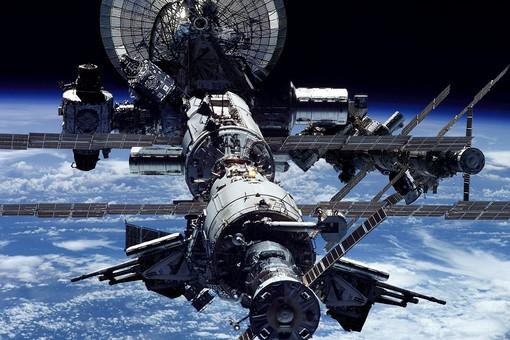 NASA сворачивает контакты с Россией